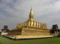 That Luang de Vientiane (T) by Els Slots