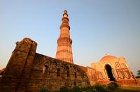 Qutb Minar by Clyde
