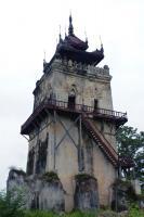 Ancient cities of Upper Myanmar : Innwa, Amarapura, Sagaing, Mingun, Mandalay (T) by Solivagant