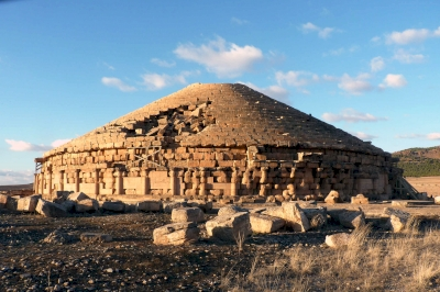 Les Mausolées Royaux de Numidie, de la Maurétanie et les monuments funéraires pré-islamiques (T) by Solivagant