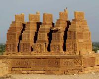 Chaukhandi Tombs, Karachi (T) by Solivagant