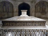 Tombs of Jahangir, Asif Khan and Akbari (T) by Solivagant