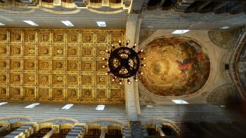 Piazza del Duomo (Pisa) by Ian Cade