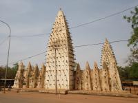 Sya, centre historique de Bobo-Dioulasso (T) by Jarek Pokrzywnicki