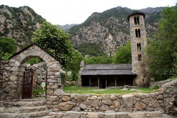 Les témoignages matériels de la construction de l'État des Pyrénées : la Co-principauté d'Andorre (A) (T) by Hubert Scharnagl