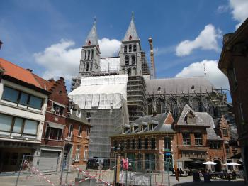 Notre-Dame Cathedral in Tournai by Jarek Pokrzywnicki