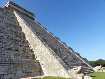 Chichen-Itza by Clyde