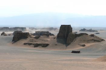 Lut Desert by Solivagant