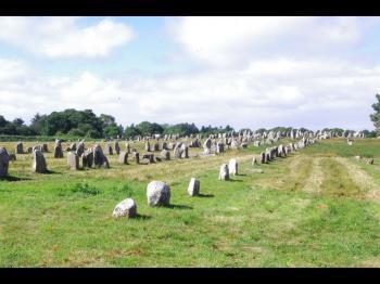 Sites mégalithiques de Carnac (T) by Thibault Magnien