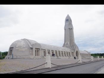 Sites funéraires et mémoriels de la Première Guerre mondiale (Front Ouest) (T) by Thibault Magnien
