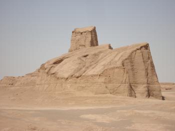 Lut Desert by Jarek Pokrzywnicki