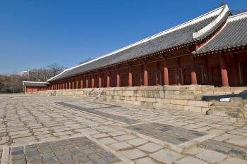 Jongmyo Shrine by Gary Arndt