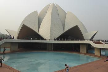 Bahá'í House of Worship at New Delhi (T) by Ralf Regele
