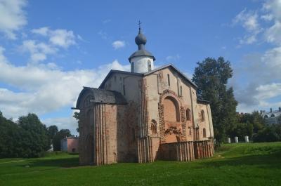 Novgorod by Michael Novins