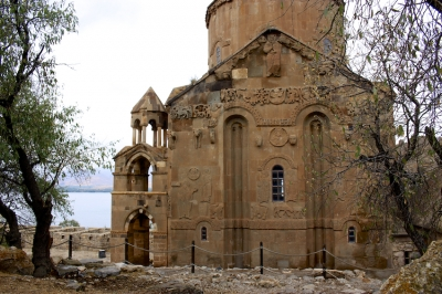 Akdamar Church (T) by Walter
