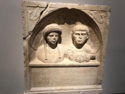 Nîmes, l'Antiquité au présent (T) by Els Slots