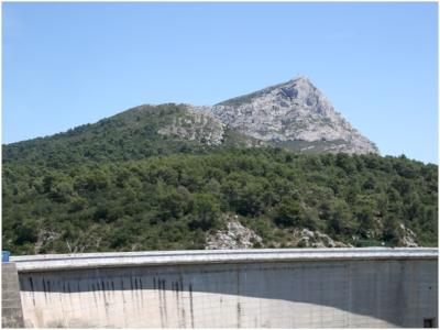 Montagne Sainte-Victoire et sites cezaniens (T) by Matejicek