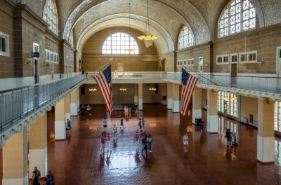 Ellis Island (T)