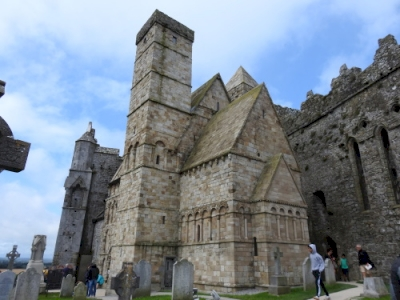 The Royal Sites of Ireland: Cashel, Dún Ailinne, Hill of Uisneach, Rathcroghan Complex, and Tara Complex (T)