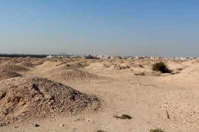 Dilmun Burial Mounds by Philipp Peterer