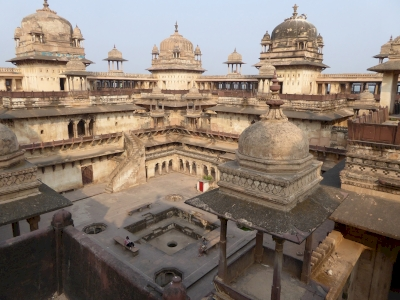 The historic ensemble of Orchha (T)