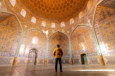 Meidan Emam, Esfahan by Carlo Sarion