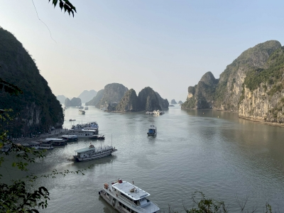 Ha Long Bay by Martina Ruckova