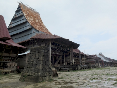 Bawomataluo Site (T) by Zoë Sheng
