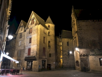 Centre ancien de Sarlat (T) by Els Slots