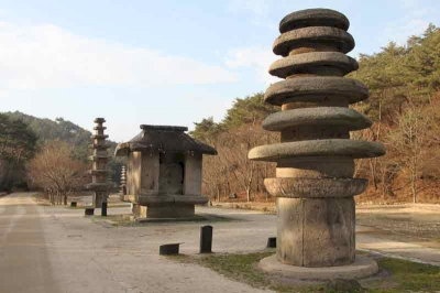 Stone Buddhas and Pagodas at Hwasun Unjusa Temple  (T)