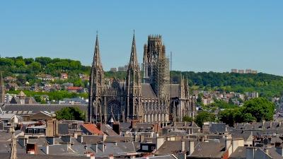 Rouen : ensemble urbain à pans de bois, cathédrale, église Saint-Ouen, église Saint Maclou (T) by Clyde