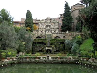 Villa d'Este by Jay T
