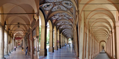 The Porticoes of Bologna (T)
