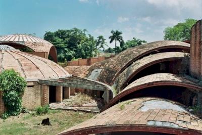 National Schools of Art, Cubanacan (T) by Zoë Sheng