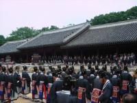 Jongmyo Shrine by Frederik Dawson
